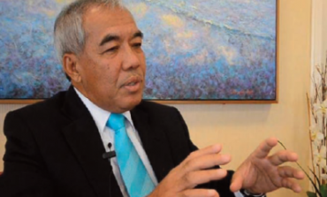 In person with Tan Sri Datuk Dr. Ahmad Tajuddin Ali