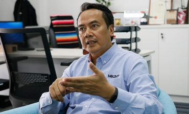 In Person with : Dr. Raslan Ahmad, Senior Vice President, Malaysian Industry-Government Group for High Technology (MIGHT)