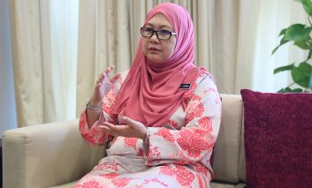In Person with : YBhg. Datuk Dr Rose Lena binti Lazemi, Secretary General of Ministry of Woman, Family and Community Development
